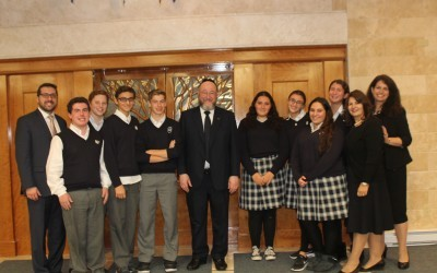 Chief Rabbi Ephraim Mirvis visits Hebrew Academy